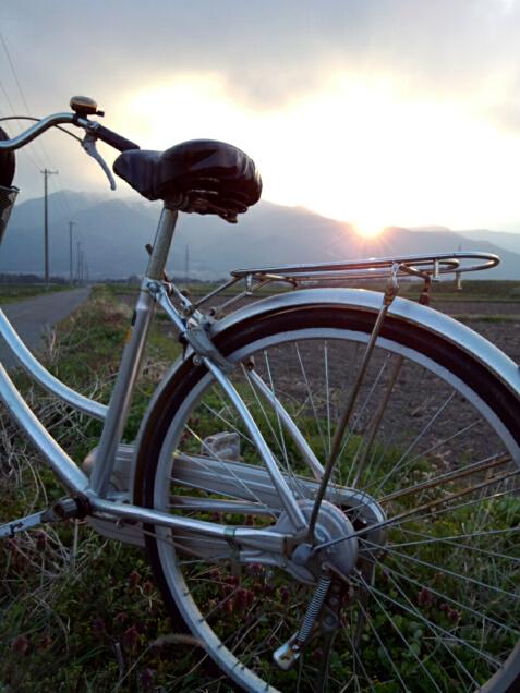 自転車と夕日